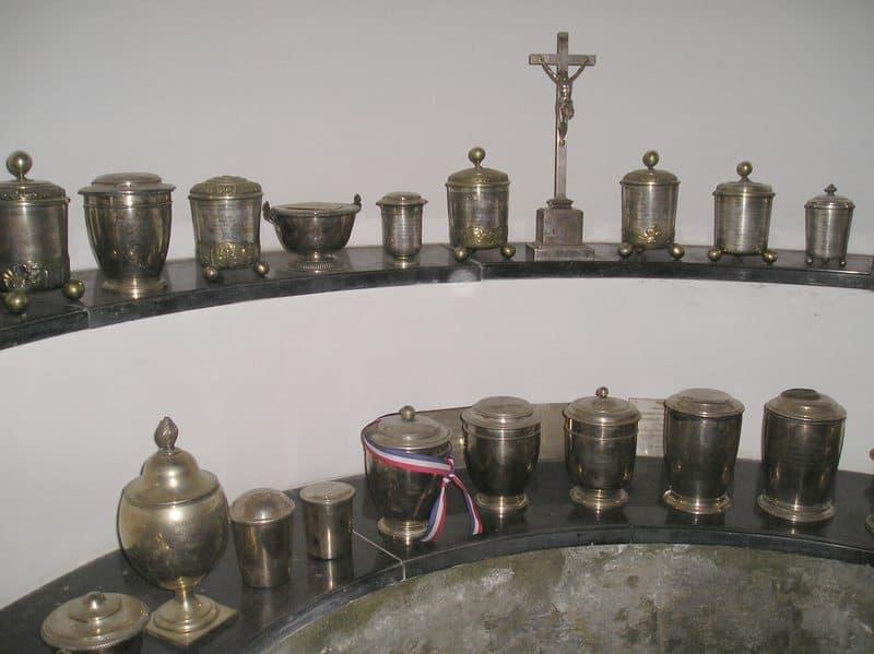 L'urne contenant le cœur de l'Aiglon, chapelle Loretto de l'église des Augustins