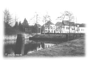 Place du Petit Pont tournant au Vieux Port