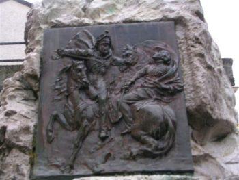 Bas-relief du monument