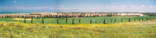 Panorama du champ de bataille de Barrosa (Chiclana), en regardant vers Cadix de la crête de la colline de Barrosa (maintenant connue sous le nom de Loma de Sancti-Sancti-Petri).